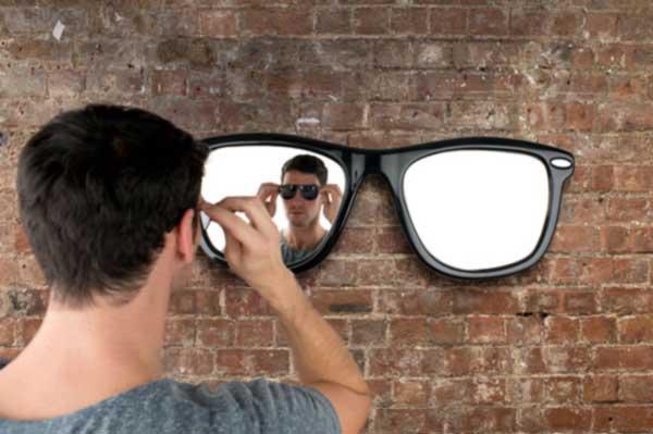 Ho Rotto Uno Specchio.Sognare Specchio Interpretazione Numeri Sognipedia It
