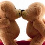 orsetti-teneri-bacio